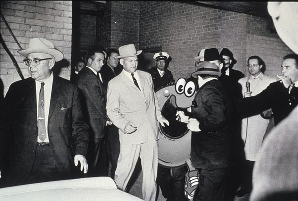 Spaghettios Pearl Harbor Tweet Jack Ruby Shooting Lee Harvey Oswald December 7, 2013 Twitter tweet Campbell Soup Company Campbell's offensive tasteless dubious bad taste poor public outcry people upset furious enraged outrage apologizes apology pulls brand Internet