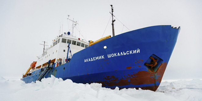 Akademik Shokalskiy Ship Stuck Stranded in Artic Antacrtic Polar Ice While Studying Effects of Global Warming climate change rescue operation Russia Russian scientific expedition experiment sea ice shelf melt MV Australia University of New South Wales Chinese ice breaker iceberg