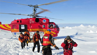 Chinese helicopter rescues stranded global warming scientists on Akademik Schokalskiy