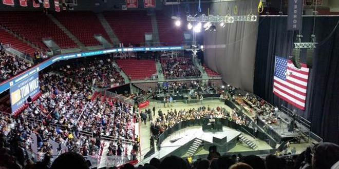 President Obama Campaigns to Half-Empty Arena in Philadelphia Fox News Ed Henry Democratic gubernatorial candidate Tom Wolf Temple University Liacouras Center 5,500 people